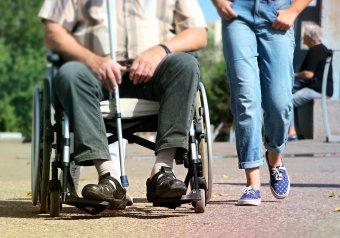 Kibővítik a fogyatékkal élőknek nyújtott támogatásokat