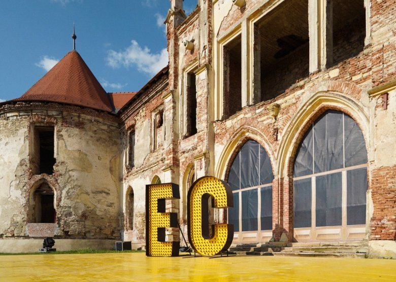 Kitiltották az észt DJ-t az Electric Castle-ről, mert manelét játszott a fesztiválon