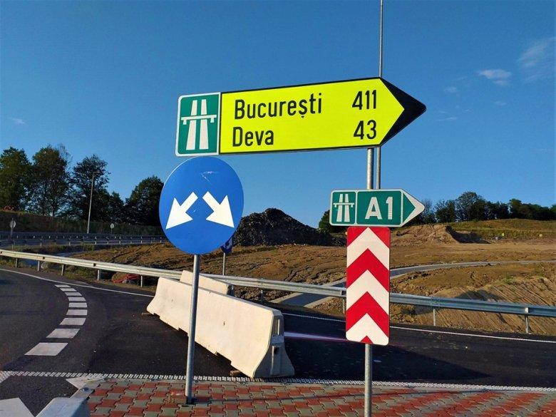 """Nagy felfordulást okoz a dél-erdélyi autópálya hiányzó szakaszát """"pótló"""", tönkrement országút javítása"""
