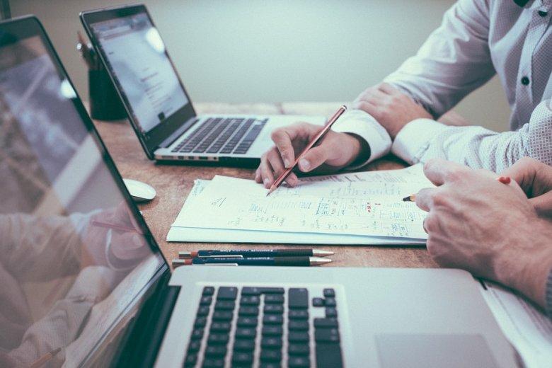 Bürokráciával terhelt cégek – Ismét nyilatkozatot kérnek a valós kedvezményezettről