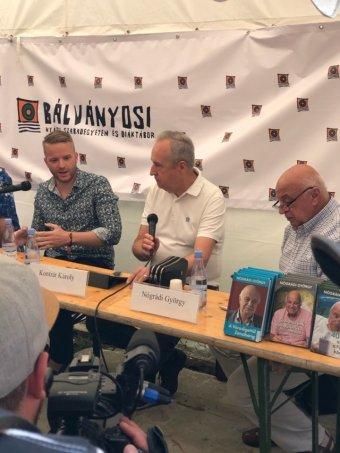 Pódiumbeszélgetés a bevándorlásról Tusványoson: még nem dőlt el a migrációval kapcsolatos politikai küzdelem, de van remény