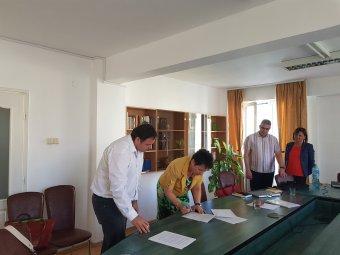 Jó hírek a váradi PKE háza táján: akkreditált pedagógusképzés, együttműködés a szegedi egyetemmel