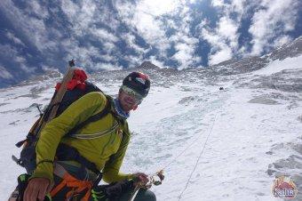 Elindult Nepálba a Mount Everest meghódítására készülő Varga Csaba nagyváradi hegymászó