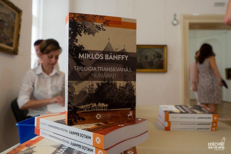 Magyar ajándék a román olvasóközönségnek – Bemutatták Bánffy Miklós Erdély-trilógiájának román fordítását Kolozsváron