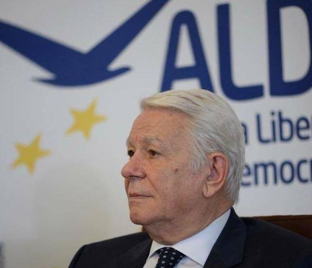 Lemondott Teodor Meleșcanu a szenátus elnöki tisztségéről