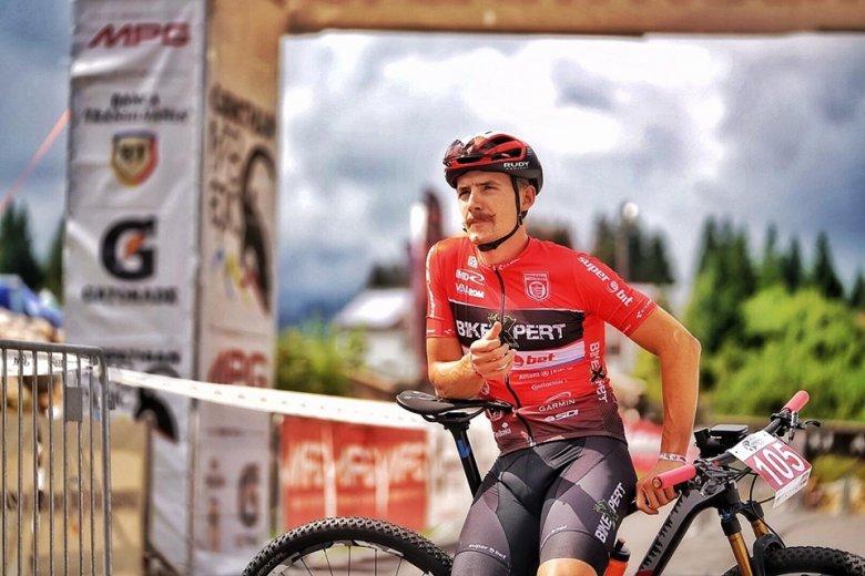 """""""Olimpiára kijutni az igazán nehéz"""" – Molnár Ede háromszéki kerékpáros tagja a játékokra kvalifikált romániai válogatottnak"""