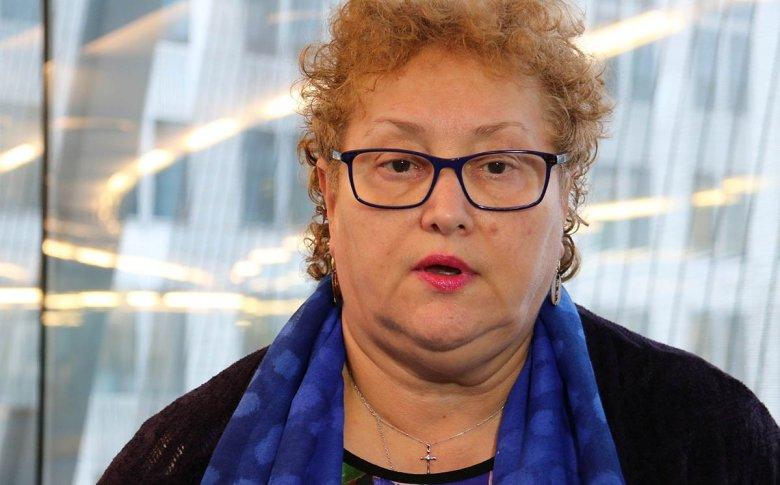 Formálisan is felmentették tisztségéből Renate Weber ombudsmant