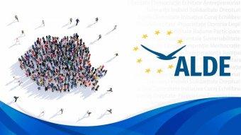"""Hivatalosan is kizárták a négy """"pártütőt"""" az ALDE-ból – Dăncilă """"kiseperte"""" a volt koalíciós partner kilenc államtitkárát"""