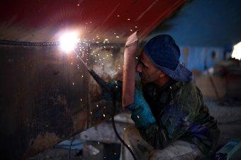 Külföldiekkel pótolják a kivándorlás okozta munkaerőhiányt a romániai vállalkozók