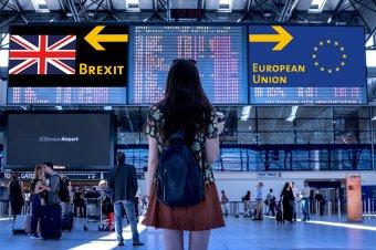 Brit bevándorlás: előnyben az angolul jól beszélők és a büntetlen előéletűek