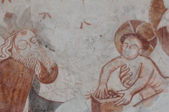 """""""Átadták"""" a restaurált középkori freskókat a háromszéki Gidófalván"""