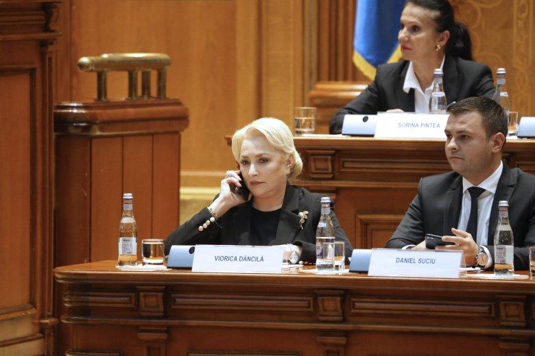 Átment a parlamenten a bizalmatlansági indítvány, megbukott a Dăncilă-kabinet
