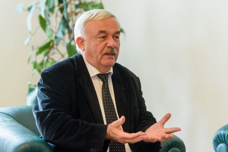 Kató Béla: az oltás az egyedüli megoldás, hogy megmaradjunk