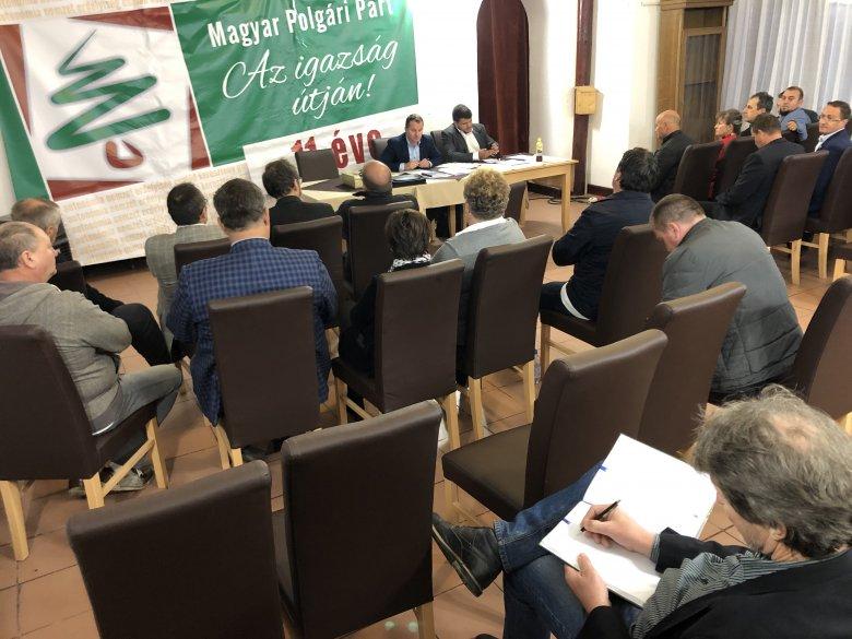 Egyesülni akar az MPP az EMNP-vel – Kizárták Biró Zsoltot a polgári pártból