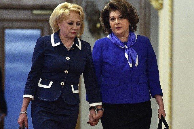 Viorica Dăncilă miniszterelnök továbbra is kiáll leszavazott uniós biztosjelöltje mellett