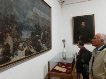 Vécsey zsebkendője, Lázár sarkantyúja – Újabb tárlat nyílt az aradi múzeumban a szabadságharc vértanúinak relikviáiból