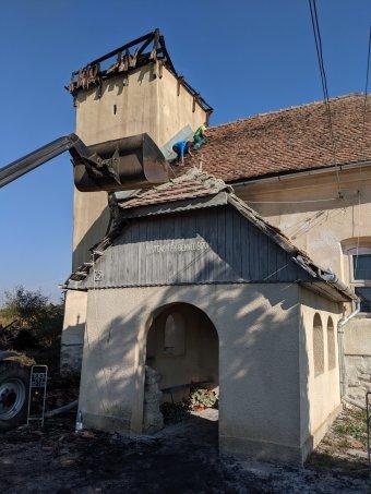 Rövidzárlat okozta a templomtüzet Bethlenszentmiklóson, adománygyűjtést indít az unitárius egyház
