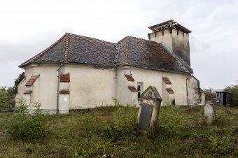 Segítség a tűzvész után: több ezer euró gyűlt össze a bethlenszentmiklósi templom felújítására