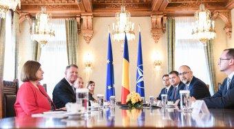 A kormányfőjelölt személyéről egyeztet Klaus Iohannis a parlamenti pártok képviselőivel