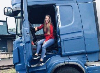 Mindig tartogat meglepetéseket a kamionos élet: a siménfalvi Erdélyi Gyopár teherautót vezet Skandináviában