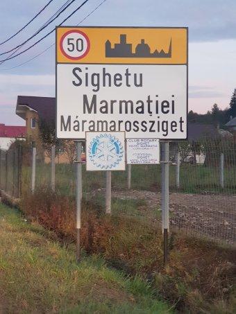 Kétnyelvű helységnévtáblát helyeztek ki Máramarosszigeten