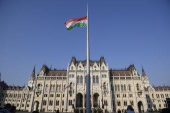 Magyar kormány: Brüsszelben csak az lehet jogállam, aki beengedi a bevándorlókat