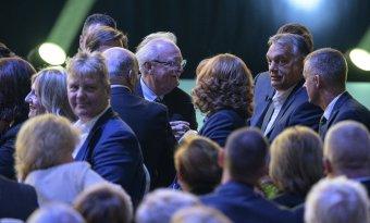 Nekik Magyarország az első: újraválasztották Orbán Viktort a Fidesz elnökének