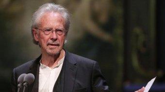 A szerbek örülnek, a koszovóiak tiltakoznak Peter Handke osztrák író Nobel-díja miatt