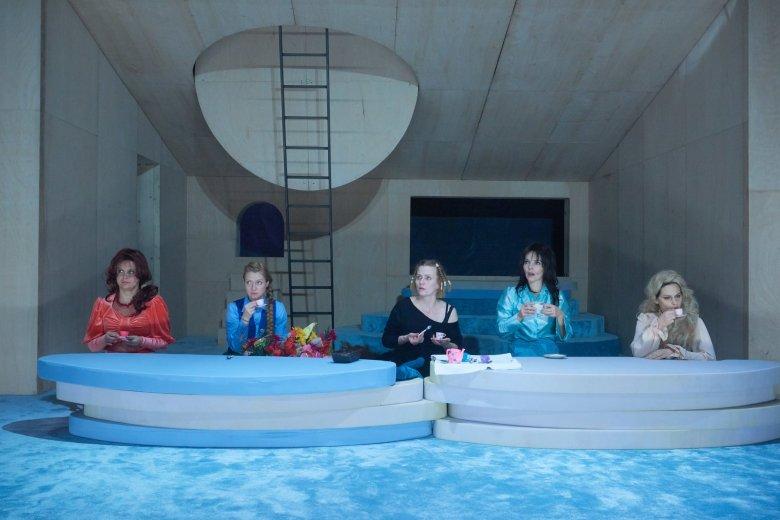 Hölgyek őrült teadélutánja: Susan Sontag egyetlen színdarabja Kolozsváron