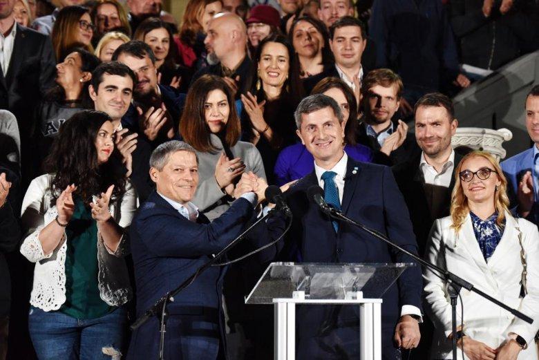 Új kezdetet, hiteles miniszterelnököt akar a kormányra készülő USR-PLUS