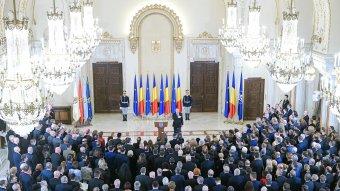 """Johannis a román nemzet """"legmeghatóbb"""" ünnepének nevezte december elsejét"""