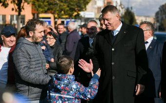 Megszüntette az eljárást az ügyészség Klaus Iohannis ellen az ingatlan bérbeadásból származó bevételei kapcsán