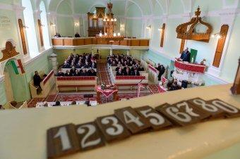 Megújult a tordai unitáriusok temploma, az iskoláért tovább harcolnak