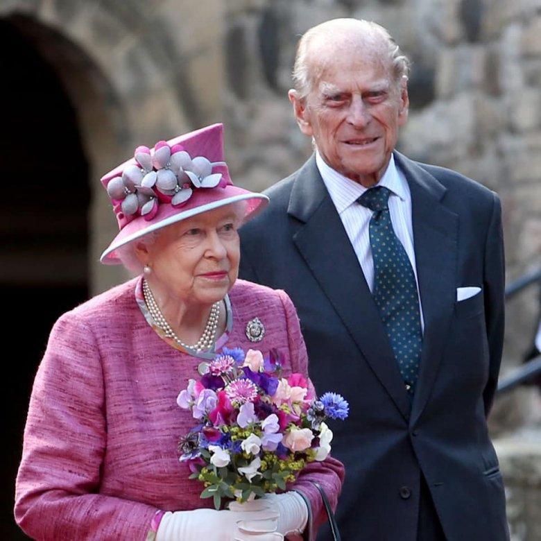 A tavalyi visszafogott ceremónia után újra a hagyományos pompával ünnepelné születésnapját II. Erzsébet királynő