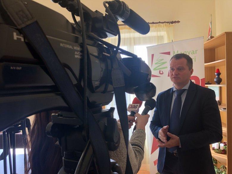 EP-választás: FUEN-elnökként készül megállapodást aláírni az MPP-vel Vincze Loránt