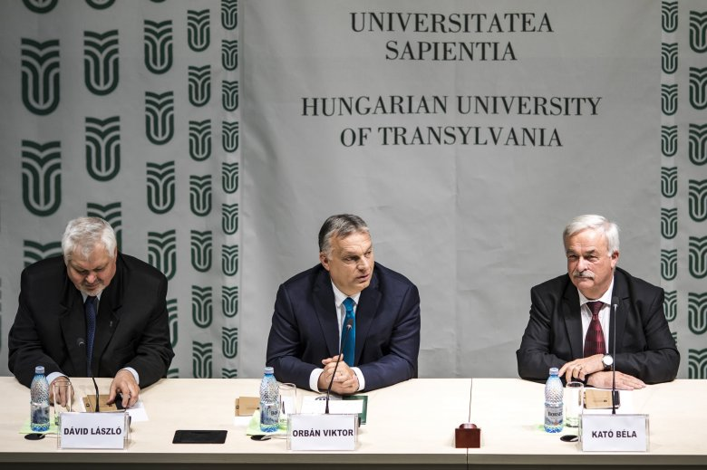 31cb328e38a8 Orbán Viktor Kolozsváron: a határon túlra is kiterjeszthetőek a magyar  családpolitika elemei