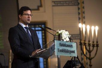 Gulyás a holokausztról: a magyar államot felelősség terheli, amiért nem védte meg állampolgárait
