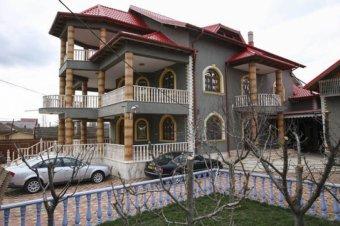 Elévülés miatt megúszták a kiskorúakat Nagy-Britanniába csempésző román bűnbanda tagjai