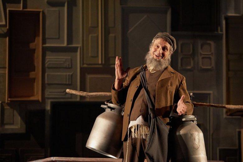 A Hegedűs a háztetőn című musicalt mutatja be a kolozsvári magyar színház
