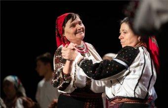 Az összetartozást, a hagyományok megőrzésének fontosságát hirdették a budapesti Csángó bálon