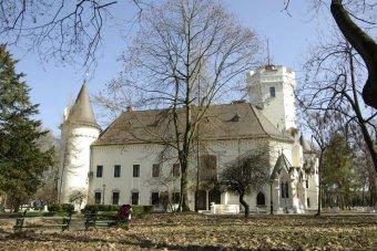 Adnak a látványra: megnyitnák a Károlyi-kastély bástyáját
