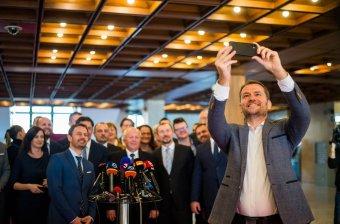 Szlovák bocsánatkérés: az elemző szerint a magyar pártokból kiábrándult választóknak üzen Matovič