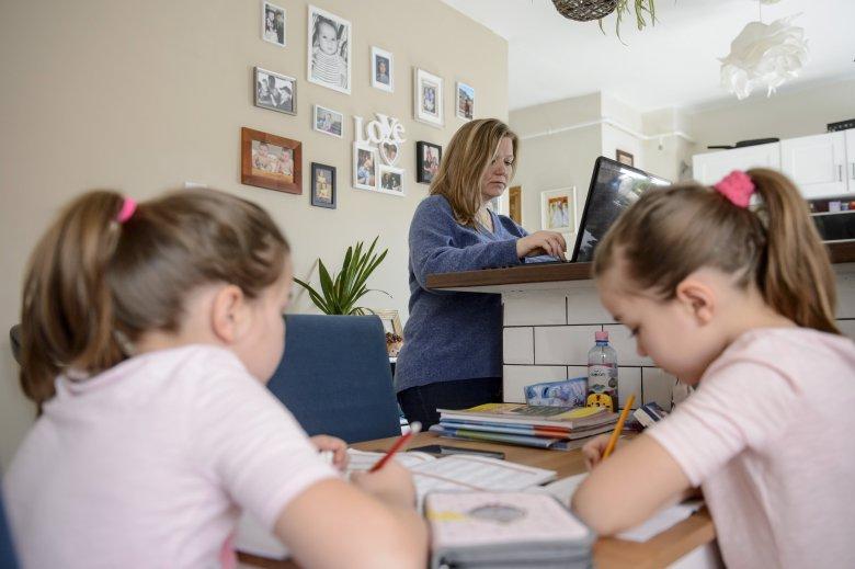 Szeretetvonal, ami összehozza a számítógép-felajánlásokat és a rászoruló családokat