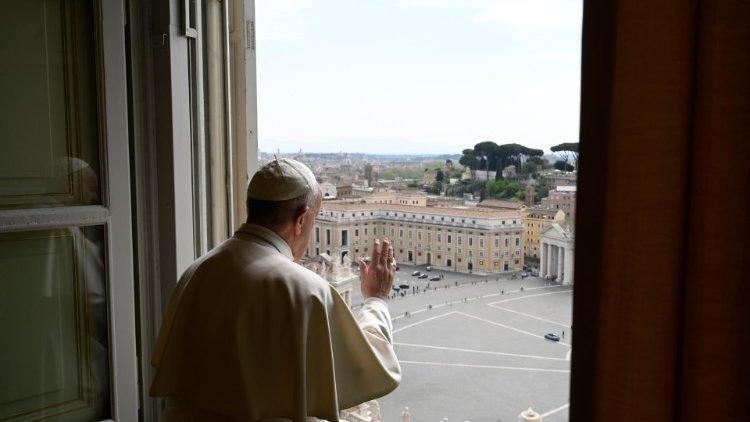 A járvány sújtotta országokért imádkozott Ferenc pápa húsvéthétfőn