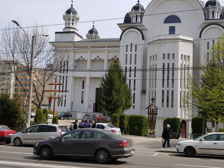 Ellentmond egymásnak Cîțu és az ortodox egyház a húsvéti mise kapcsán