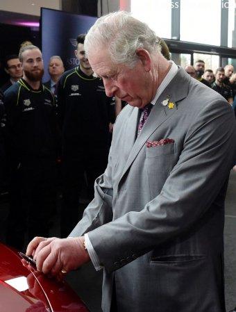 Pozitív Károly brit trónörökös koronavírustesztje