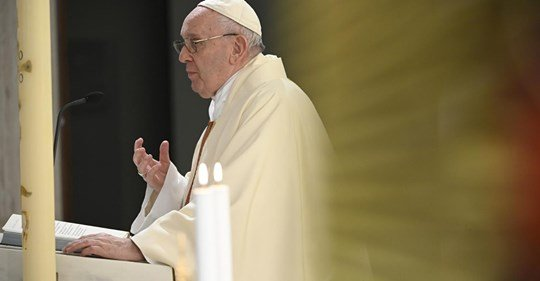 Méltóságteljes munkát, nem rabszolgavilágot szorgalmazott Ferenc pápa a munka ünnepén
