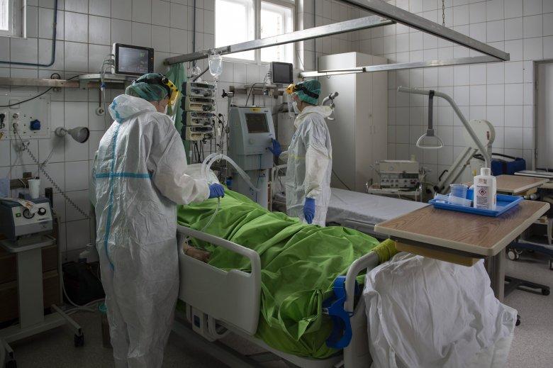 Újabb kilenc fertőzött halálát okozta a koronavírus Romániában