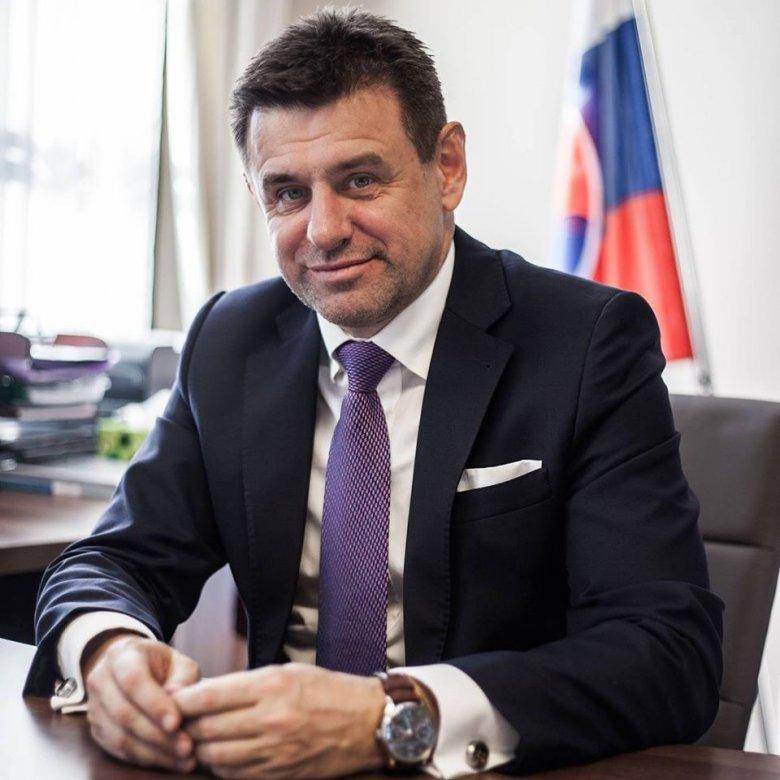 Sólymos László váltja Bugár Bélát a felvidéki Most-Híd vegyespárt élén