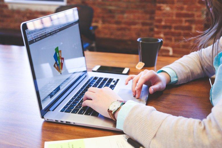 Az IT iránt érdeklődő fiatalokat segíti a mentorprogram